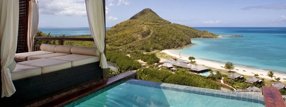 View over the fabulous Hermitage Bay in Antigua