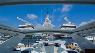 christmas-and-the-new-year-luxury-crewed-super-yacht-charter-in-the-caribbean