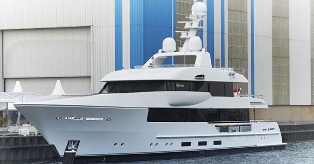 Dutch Royal Shipyard Feadship launches 145' Moon Sand!