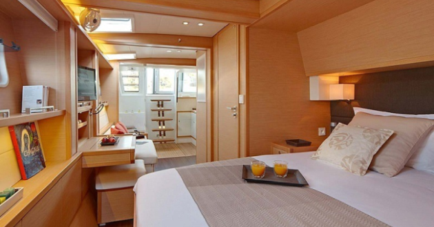 PRIVATE SUPERYACHT CHARTER
