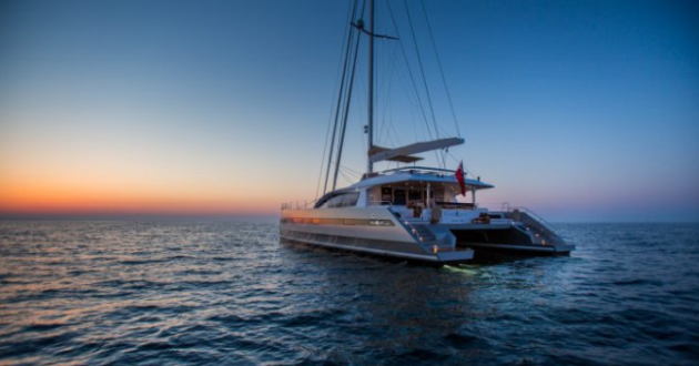TOP LUXURY SAILING CATAMARAN